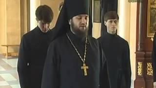 Утренние молитвы читают православные священники(В утренние молитвы входит Символ Веры и Отче наш, молитвы читают священнослужители на церковнославянском..., 2014-12-23T20:51:37.000Z)
