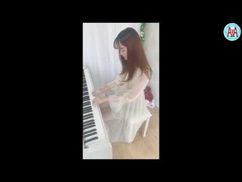 Matteo Panama Chinese girl play piano