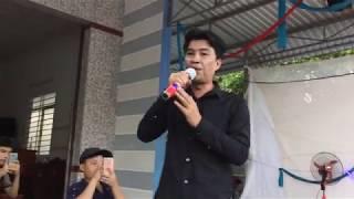 Nguyễn Kha một ca sĩ có làng hơi dài đã nằm sâu trong lòng khán giả rất nhiều năm qua