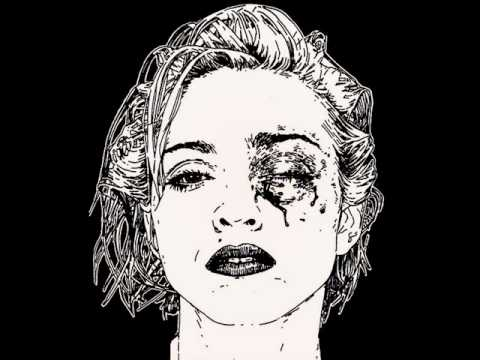 Клип Crystal castles - Dolls