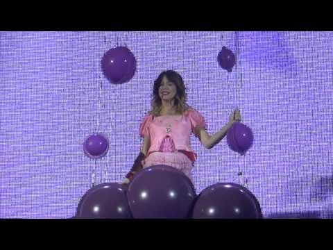 Violetta En Vivo : Paris - Hoy somos mas