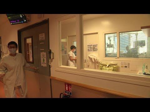 Coronavirus: immersion au service de réanimation à l'hôpital de Tours