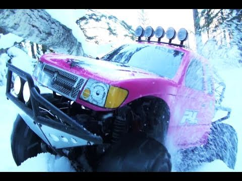 RC ADVENTURES - SNOW DAYS PT2 - PINKY ON PARADE - AXIAL SCX10 4X4 - SCALE TRUCKS