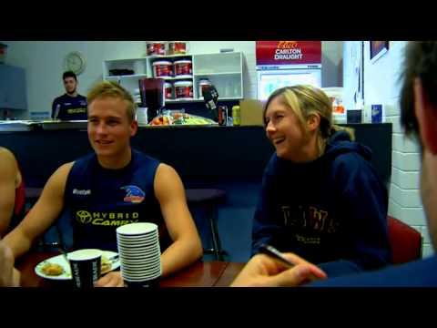 Women's Round: Olivia Warnes Profile