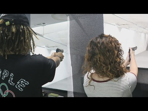 WE GOT AIM !!! ME AND MY GIRLFRIEND AT THE SHOOTING RANGE !!! (VLOG #89)