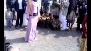 بنات جميلات من اليمن يرقصن على انغام يمنية