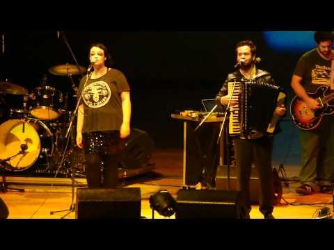 Tulipa Ruiz + Marcelo Jeneci - Pra Sonhar Salvador 10-11-11