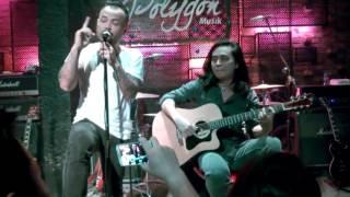 BỨC TƯỜNG - Cơn mưa tháng 5 - Live HD