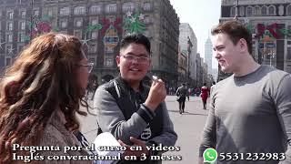 Hablano inglés en el Zocalo con un canadiense