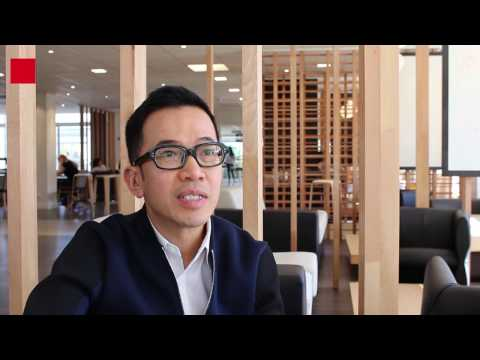 What does emlyon business school expect from future luxury students?