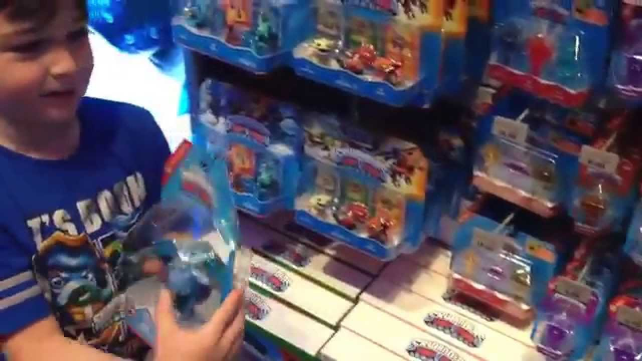 Skylanders Toys R Us : Skylanders trap team haul from toys r us in times square