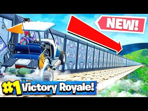 *DEADLY* RACE TRACK CHALLENGE IN FORTNITE VS GIRLFRIEND - Playground Mode