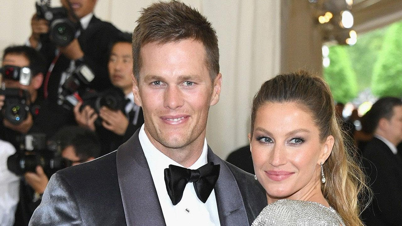 448812aa996 Tom Brady Moves on From Super Bowl Loss With PDA-Filled Trip With Gisele  Bundchen
