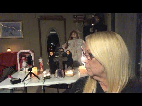 Líve wíth the creepy dolls!
