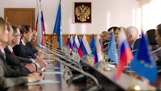"""На Первом канале - премьера многосерийного фильма """"Дипломат""""."""