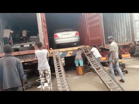 Clearing cars in Lagos Nigeria Port - Shipping cars from Canada to Nigeria Ep 3