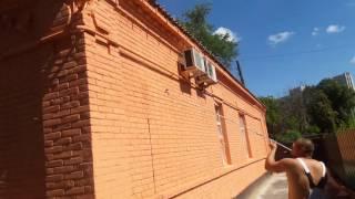 Безвоздушная покраска фасада с удлинителем(Покраска фасада безвоздушным методом г. ХАРЬКОВ., 2016-08-06T12:29:25.000Z)