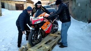 Распаковка спорт мото Honda CBR600RR в Братске