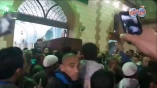فيديو| جنازة مهيبة لوالد ' أبو تريكة ' بحضور نجوم النادي الأهلي ومنتخب مصر | بوابه اخبار اليوم الإلكترونية