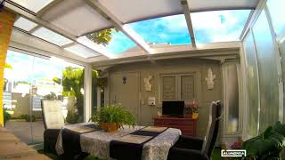 Techo motorizado y cortina de cristal / Motorized roof and frameless glass door