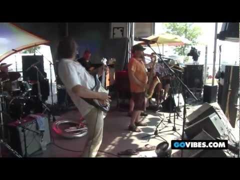 """Kung Fu Perform """"Gung Ho"""" With Memebers of Deep Banana Blackout at Vibes 2011"""