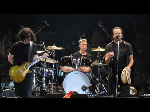 Pearl Jam & Jack White - Rockin' in the Free World (Lisbon, NOS Alive Festival, 7/14/2018)