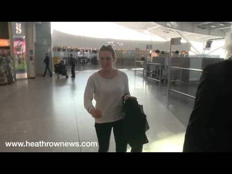 Hilary Duff rushes through Heathrow after last-minute shopping thumbnail
