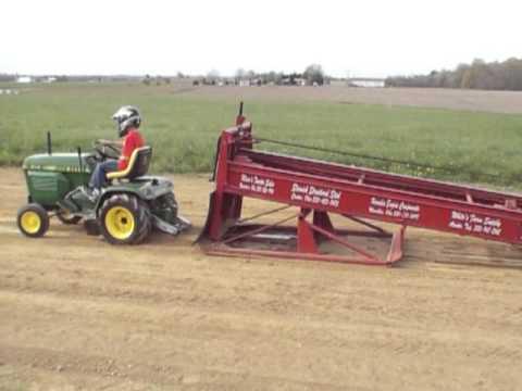 John Deere 214 >> John Deere 214 Tractor Pull - YouTube