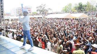 Arusha wamepiga shangwe Alikiba alivyoperform Urithi Festival Arusha