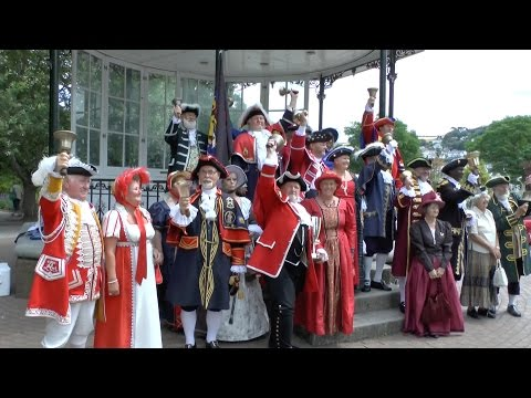 Town Criers Competition 2014 Dartmouth UK and Kingsbridge. The Guild of Town Criers.