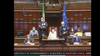 Giustizia, Sgarbi Attacca Magistrati E Deputate: La Vicepresidente Carfagna Lo Espelle Dall'aula