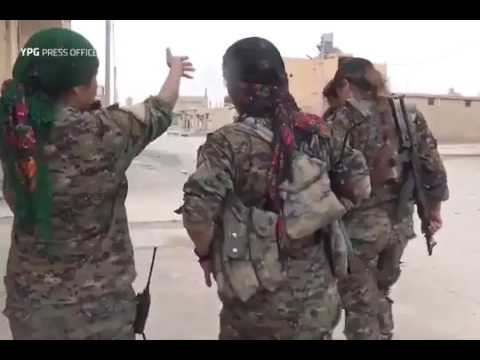 KURDISH FEMALE FIGHTERS AGAINST ISIS
