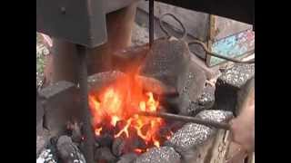 Топливо угольное с глиной.  Сжигание угольного топлива Часть 2(Очередное видео из серии Эксперименты с топливом https://www.youtube.com/playlist?list=PL0Pz1a5tk_sDD08Qjmjba_qc31rjXsfur Наш блог ..., 2013-06-21T16:21:17.000Z)