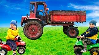 Трактор Сломался, малыши приехали на помощь. Дети помогают починить Сломанный Трактор
