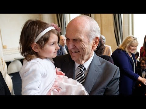 President Nelson Continues South America Ministry Tour in Uruguay