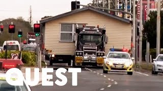 Navigating A House Out Of Town With Help From The Police | Outback Truckers