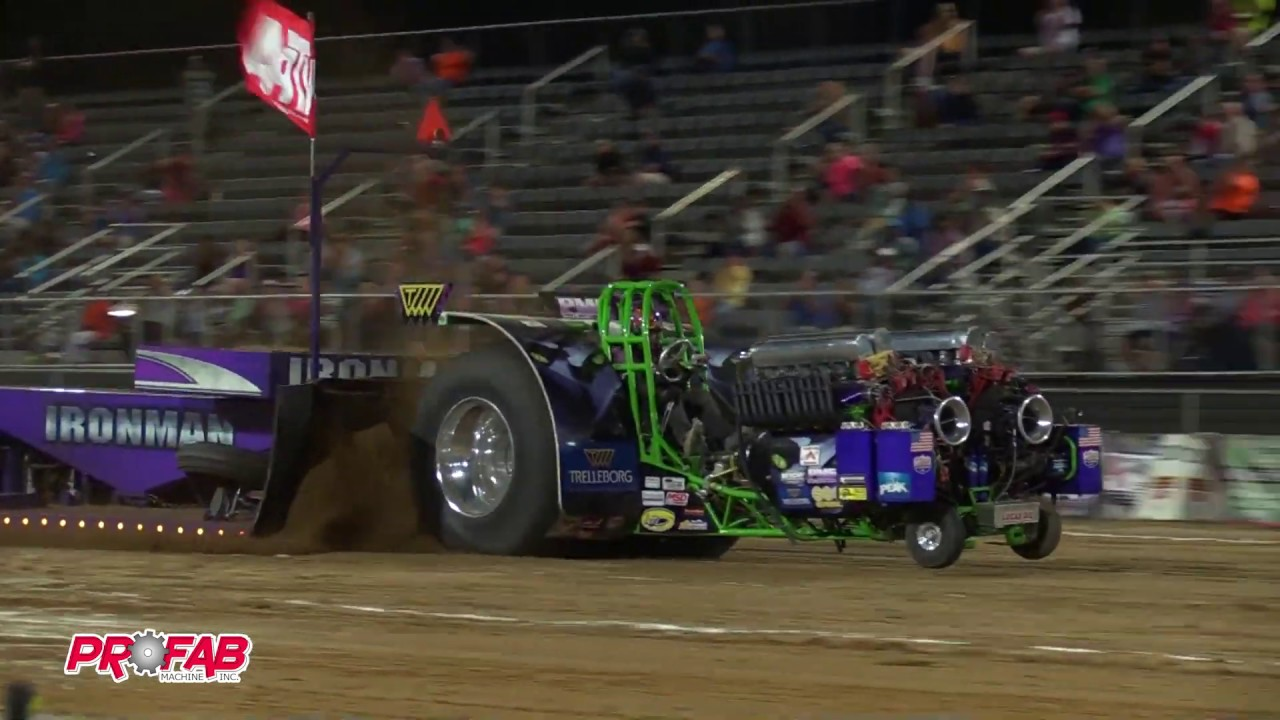 Light Unlimited Modifieds pulling at Benson NC May 27 2016