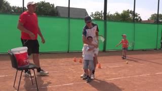 Летние занятия на теннисных кортах Авдармы(, 2015-06-04T10:08:10.000Z)
