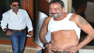 Sanjay dutt flaunts 8 pack abs after coming out of jail