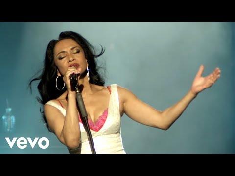 Sade - No Ordinary Love (Live 2011)
