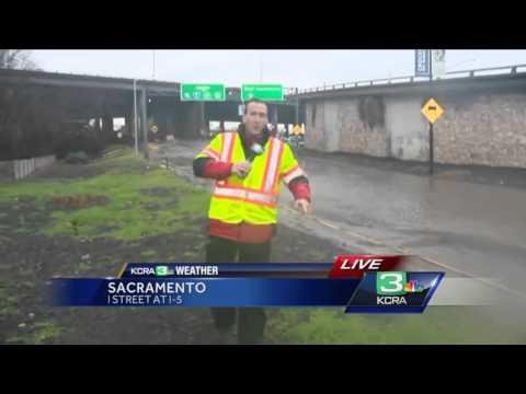 Rain causes roadway flooding in Sacramento