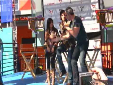 Jencarlos Canela, Gaby Espino y Miguel Varoni en Universal City Walk Part 4 - Hollywood CA
