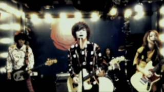 Vo & Gt 山中さわお (the pillows) Gt & Vo yoko (noodles) Ba 鈴木淳 D...