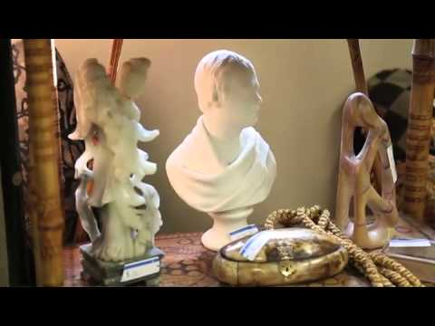 Antiques And Collectibles On Sale At Willistead