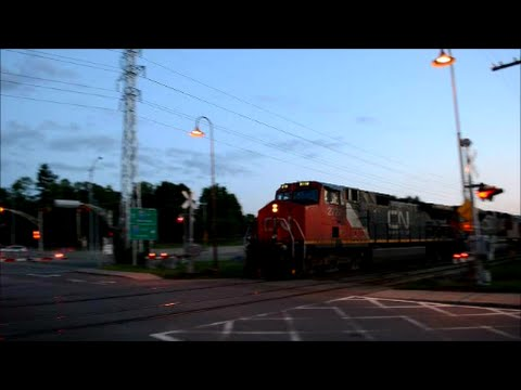 FAST MOVING CN FREIGHT TRAIN IN MONTREAL QUEBEC