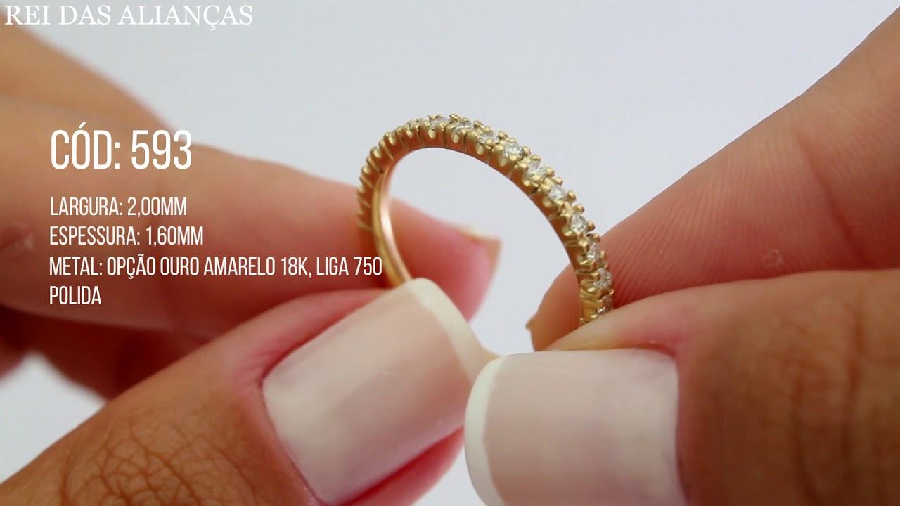 e0a01e315fa69 Meia Aliança Aparador em Ouro Elegant com Diamantes cód 593 - Rei das  Alianças