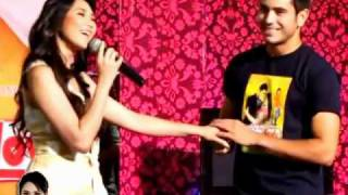 "Catch Me I'm In Love - SM Sucat Mall Show - Sarah sings ""Fallin"""