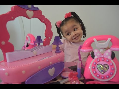 Pretend Play With Minnie Mouse Happy Helpers Phone