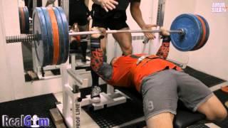 Видео-обзор тренировок в тренажерном зале