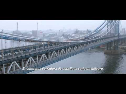 TAN FUERTE Y TAN CERCA - Primer trailer oficial subtitulado en español